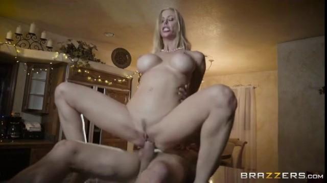 Alexis Fawx A Br@Zzrs Christmas Special Part Fan Bingbing Nude
