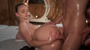 Massageroom - Petite Nymph Masseuse Oiled Lady Bug Pussy Creampie