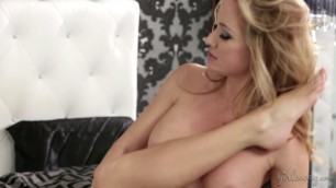Mommys Girl - Spellbound Kiss Part One Kenna James, Angela Sommers