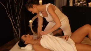 Massageroom - Emylia Argan And Anna Rose Hot Babes In Oil Wipe Each Other