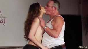 Oldji Elle Rose E585 Sex Break Sex with an old man
