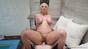Beautiful Babe Alura Jenson Sauna Sex Schooling