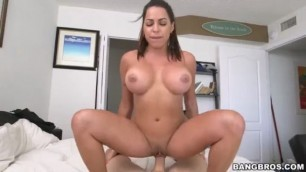 Julianna Vega Loves Blowjob Julianna as maid begins with the cleaning of the home