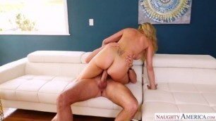 NaughtyAmerica SeducedByACougar Brandi Love girl getting fucked 23205