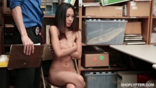 Shoplyfter Aurora Winters girl is bent on the table Case No 3667862