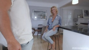 Awesome Alexis Fawx Afternoon Snacking On My Stepson PervMom