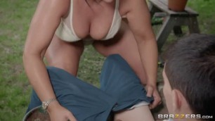 A View of the English Cuntryside Outdoor Sex Candi Kayne Jordi El Nino Polla