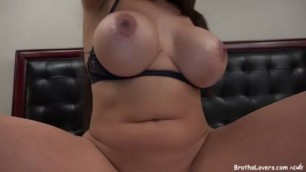 Marta La Croft & Lowtru videos of couples having Sex