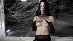 queensnake-siterip-zombie-queen
