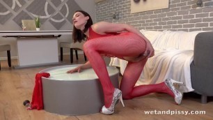 Alluring Girl Victoria Daniels [Ready To Piss] WetAndPissy