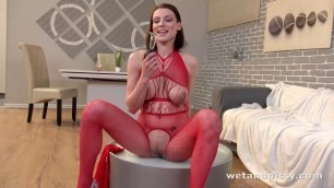 WetAndPissy Sexual Girl Victoria Daniels [Ready To Piss]