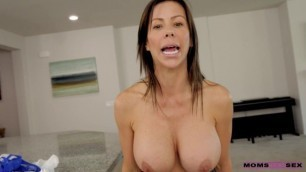 MomsTeachSex Hottest Girl Alexis Fawx [Mind Your Manners]