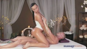 Pretty masseuse to have sex session with a man Anna Rose